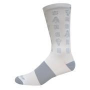 BROOKS UNISEX TEMPO KNIT-IN SOCKS - CREW - VICTORY COLLECTION - WHITE/TORCH