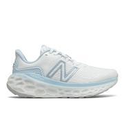 NEW BALANCE WOMEN'S FRESH FOAM MORE V3 RUNNING SHOES - WHITE/UV GLO